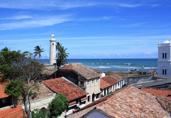ゴール旧市街とインド洋を眺望できるカフェ ママズ・ルーフ・カフェ