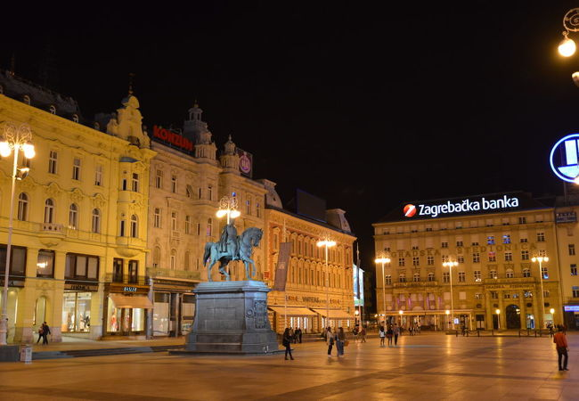 イェラチッチ広場