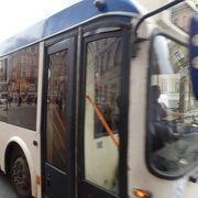 ネフスキー通りはバス路線が多い