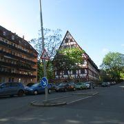 ニュルンベルクで木組みの家はひときわ目立つ