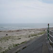 河口から見た海岸
