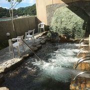 露天風呂からの海べりの風景