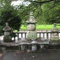 写真:武田信義の墓