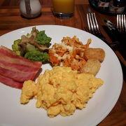 緑が美しい朝食プレイス