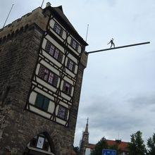 綱渡り名人の塔