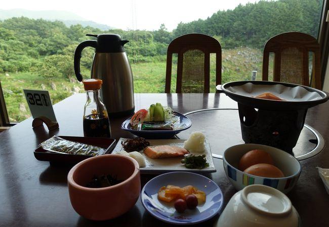 秋芳ロイヤルホテル秋芳館 レストラン カルスト
