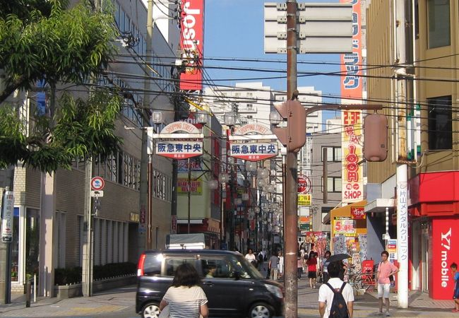阪急茨木市駅東口真ん前の商店街