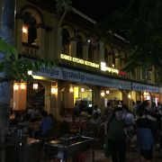 オールドマーケットそばの人気のレストラン