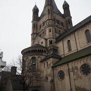 フィッシュマルクト近くにある教会