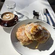 ご存知、世界一美味しい朝食が味わえる「bills」