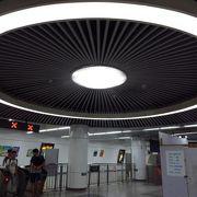 (北京)空港線と地下鉄2号線、13号線の乗換駅