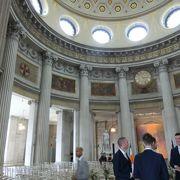 ホールの内装が美しい