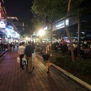 シンガポール川沿いの店