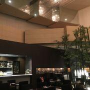 美味しいコーヒーのカスケイドは、ANAホテル金沢1階
