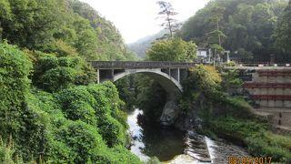 奇岩・珍石の連続の渓谷美