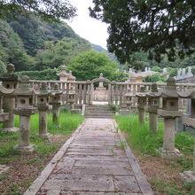 毛利藩主の墓地