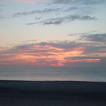 朝日が昇る前