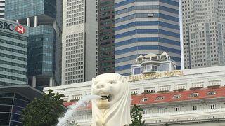 これを観ると、シンガポールに来たんだと思える、絶対に外せない名所です!