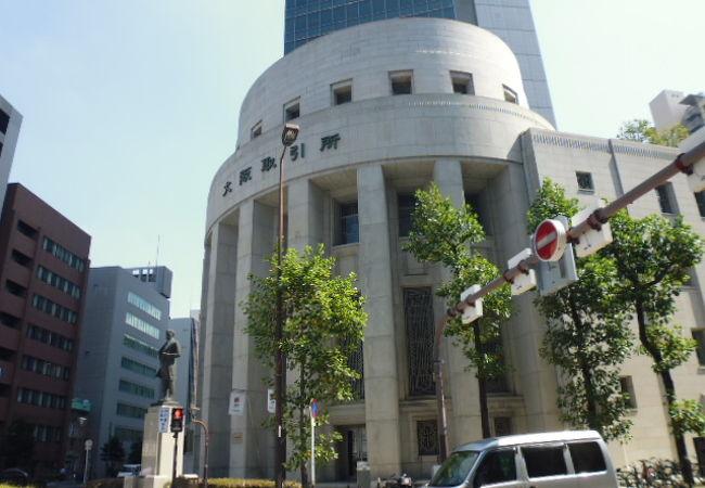 大阪証券取引所前 五代友厚像
