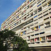 今も人が住んでいる現役のアパートメント