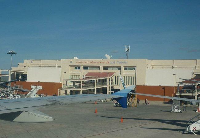 ロスカボス国際空港 (SJD)