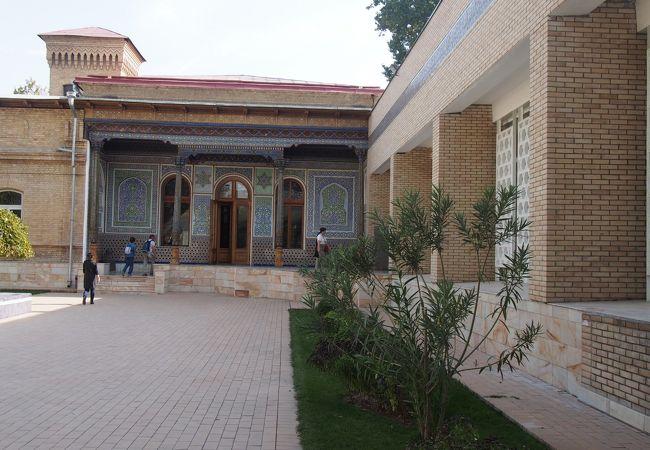 中央アジアの文化度の高さを示す