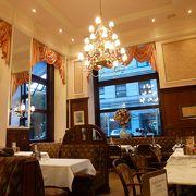 ウィーンのカフェを感じさせる