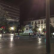 ランドマーク的な広場