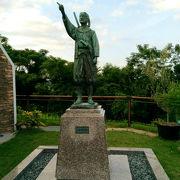 天草四郎の像があります