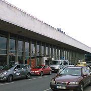 バルトの国の中では大きな空港です