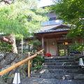嵐山の老舗料理旅館