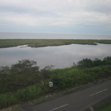 北方展望塔から眺める尾岱沼の景観