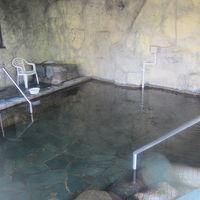 洞窟風呂内の様子