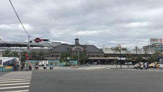 レトロな駅ですが、現在新駅の工事中です