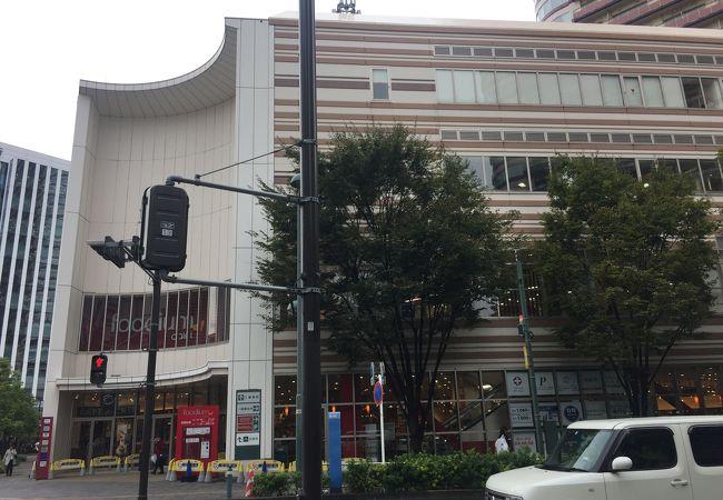 武蔵小杉駅前の商業施設!