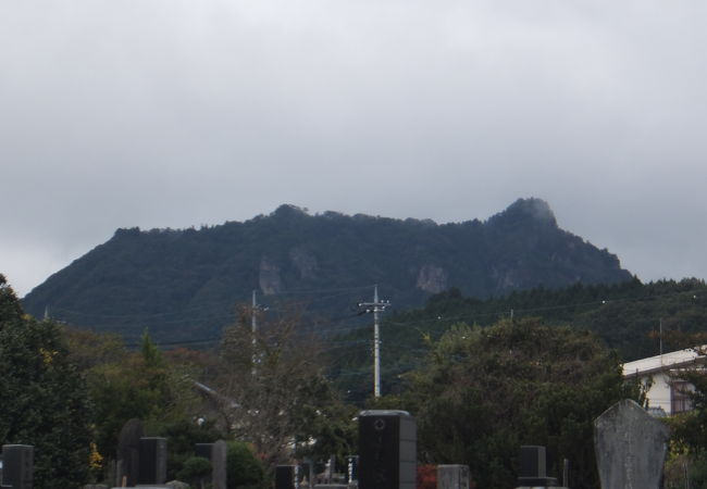 中之条町を見下ろす様な感じの山でした。