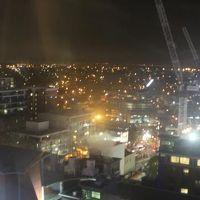 客室から見えるオークランド・シティの夜景です。