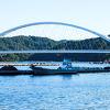 白い橋と 牡蠣の養殖 が 合わさり 美しい景色です!