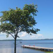 湖畔にキャンプ場や日帰り温泉