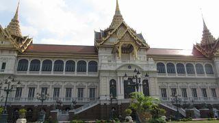 威厳のある宮殿
