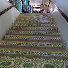階段のタイルが素敵でした