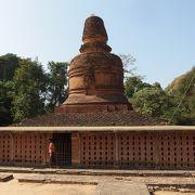 バガンで最古の寺院、レリーフいっぱい