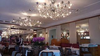 シェアでも 気持ちよくサービスしてくれる さすが 一流ホテルのカフェです。