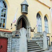大ギルド館の中はエストニア歴史博物館。