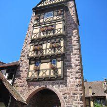 とても綺麗な塔