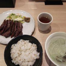 牛たん定食(税込1,160円)