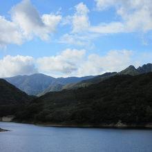 川俣大橋から望んだ川俣湖