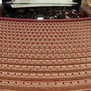 内装が素晴らしい歌劇場
