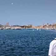 港街マルセイユの顔という感じの場所