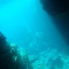 深いところまで青いです